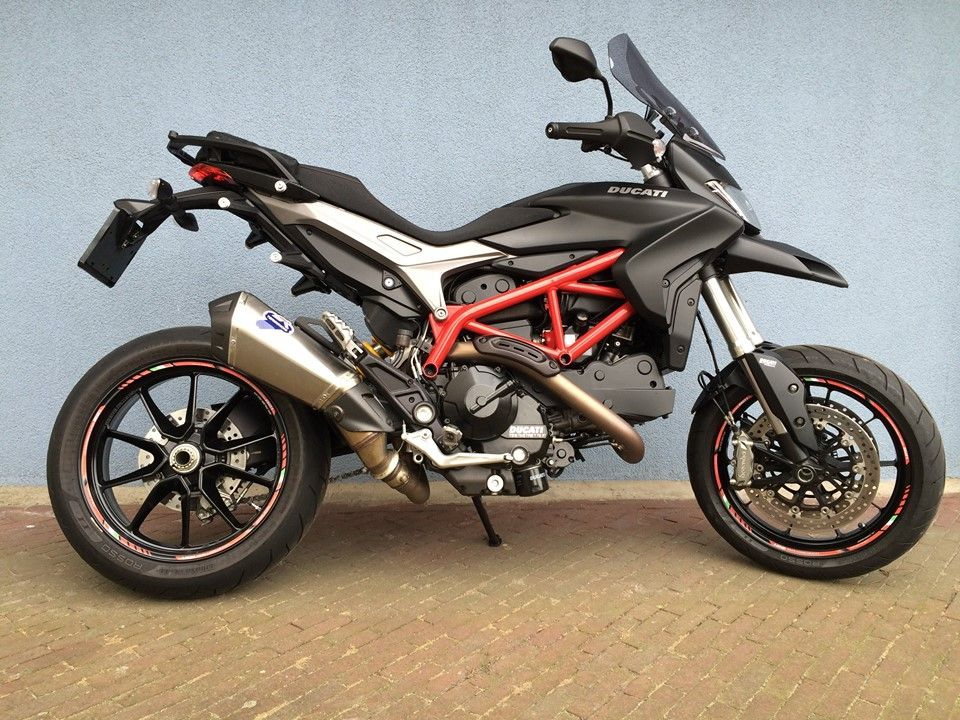 rim striping specialgp ducati hypermotard 821 in the colors red and black with a set of 821 rim. Black Bedroom Furniture Sets. Home Design Ideas