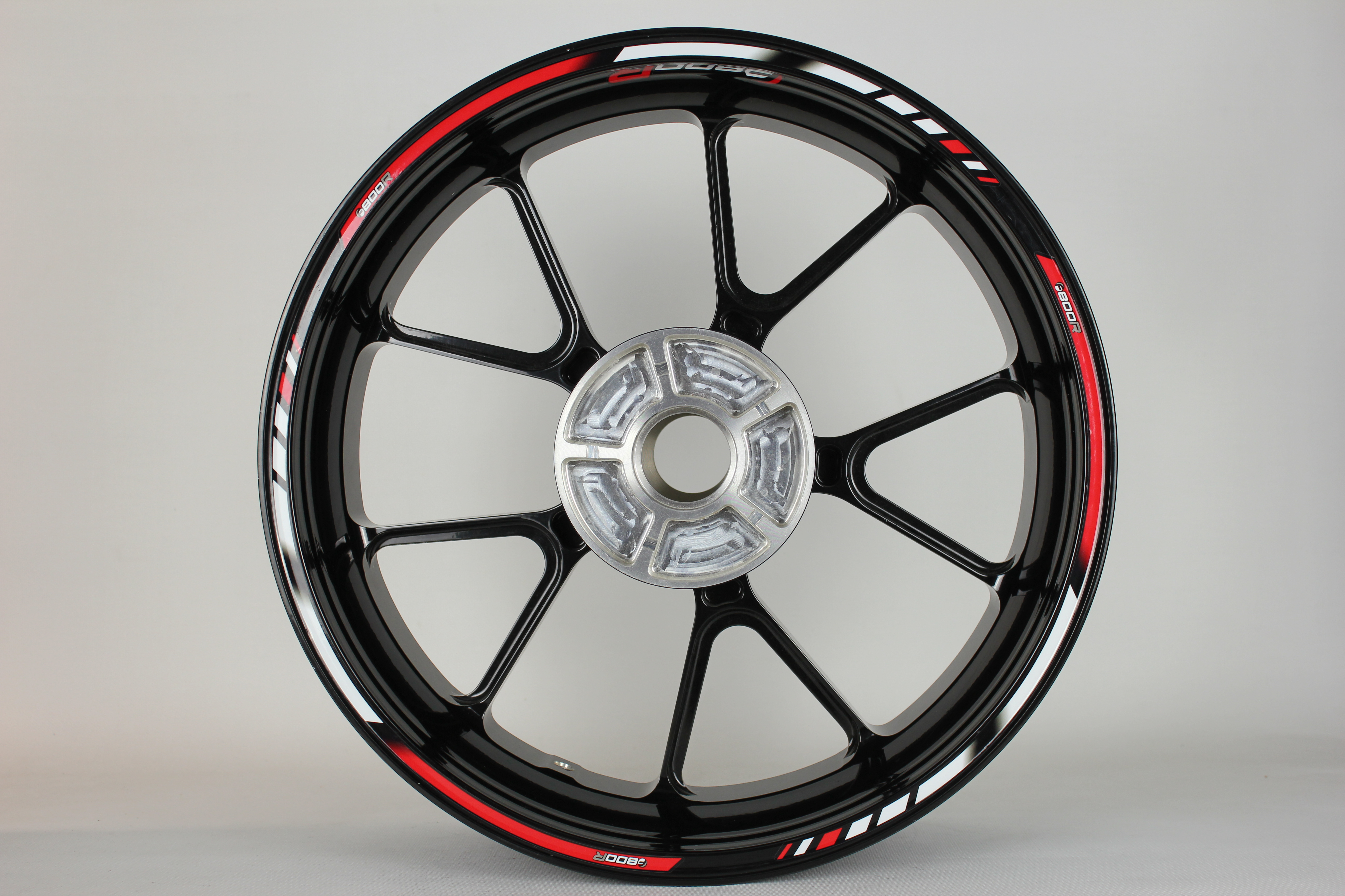 Rim Striping Specialgp Bmw F800rin The Colors Red And Whitewith A Set Of F800r Rim Logos Rim Striping Specialgp Bmw F800r Red